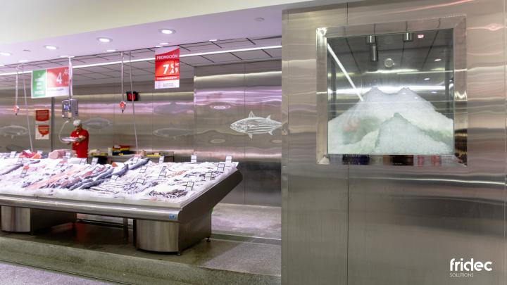 Stainless steel furniture factory in Madrid steel in fishmongers of Fridec Solutions